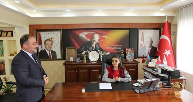 Başkan Güven, koltuğunu İremsu'ya devretti