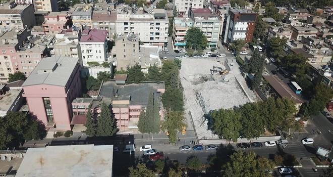 Kahramanmaraş'ta eski SSK binası yıkılıyor