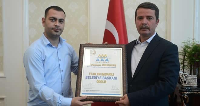 Başkan Okumuş'a 'Yılın Belediye Başkanı' ödülü