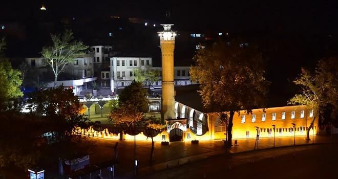 Kahramanmaraş Ulu Camii ışıl ışıl