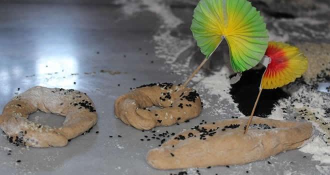 Minikler Milli Egemenlik ekmeği yaptılar