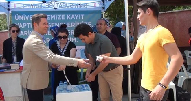 Kahramanmaraş'ta öğrencilere dondurmalı karşılama