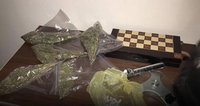 Kahramanmaraş'ta esrar ve ecstasy operasyonunda 2 gözaltı