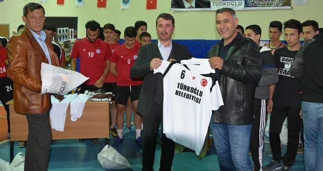 Türkoğlu'nda voleybol turnuvası başladı!