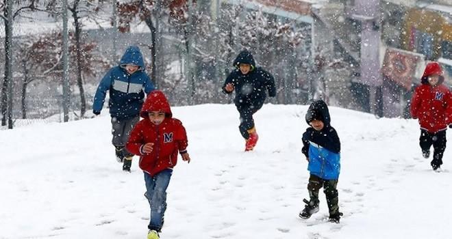 MEB harekete geçti: Kar tatili yapan öğrencilere kötü haber!
