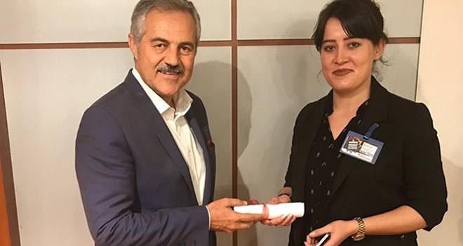 KKTC Tatlısu Belediye Başkanı Orçan'dan Kanal Maraş'a plaket