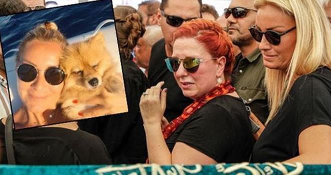 Pınar Alrtuğ'u çıldırttılar! Takipçisini fırçaladı