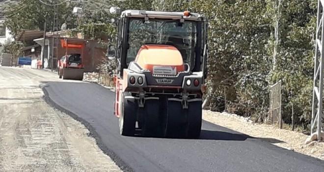 Doluca grup yolu asfaltlanıyor