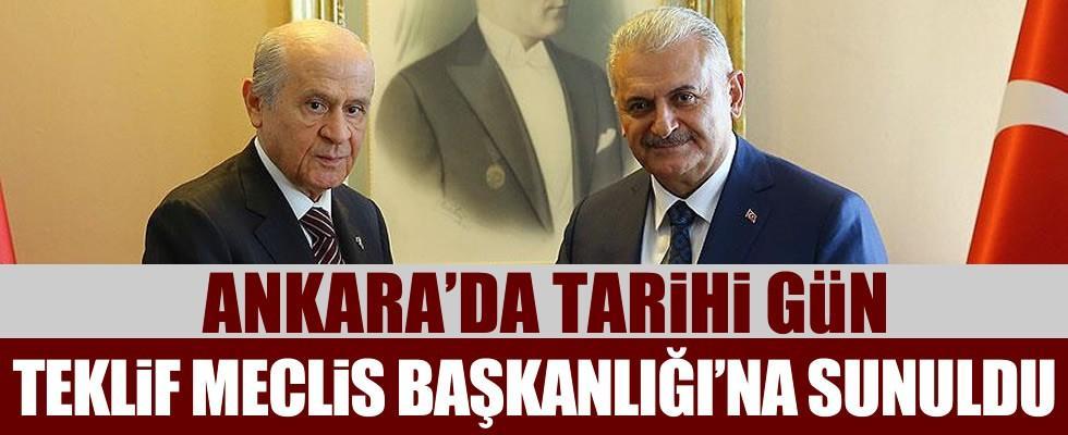 Ankara'da tarihi gün! Anayasa değişikliği teklifi Meclis'e sunuldu