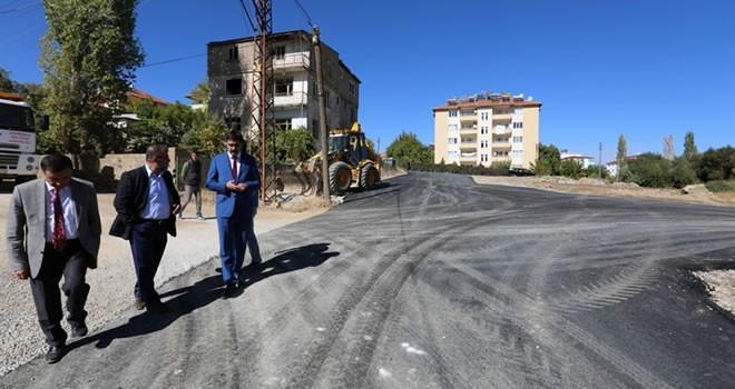 Afşin Belediyesinin asfalt ve kilit parke çalışması devam ediyor