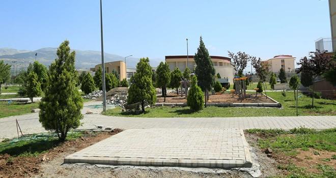 Kahramanmaraş Büyükşehir'den okullarda çevre düzenlemesi