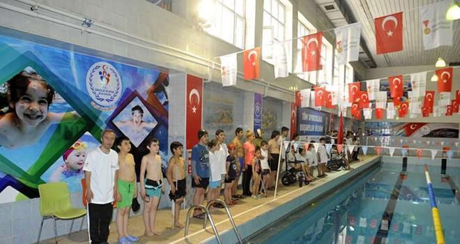 Büyükşehir'den bölgesel yüzme engelliler yüzme şampiyonası