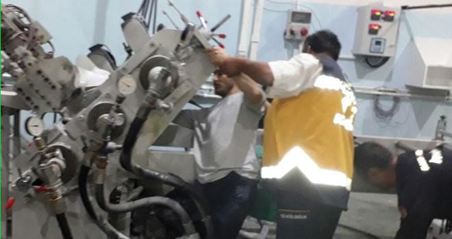 Elini ambalaj makinesine kaptıran işçi yaralandı !