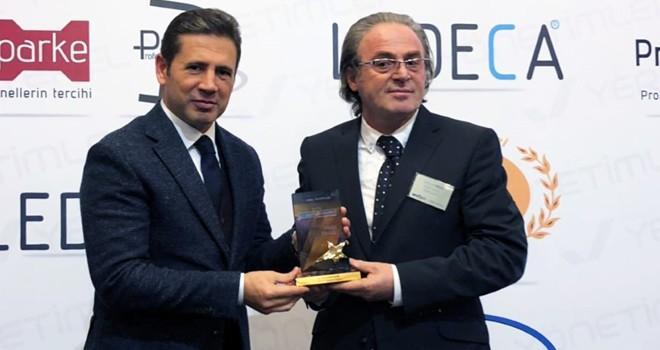 Başkan Mahçiçek ''Yılın Yerel Yöneticileri'' dalında ödül aldı