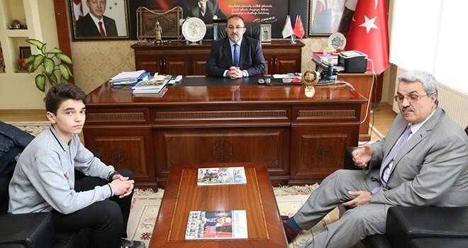 Ezan okuma birincisi Başkan Güven'i ziyaret etti