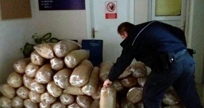 53 poşet halinde 265 kilogram tütün ele geçirildi