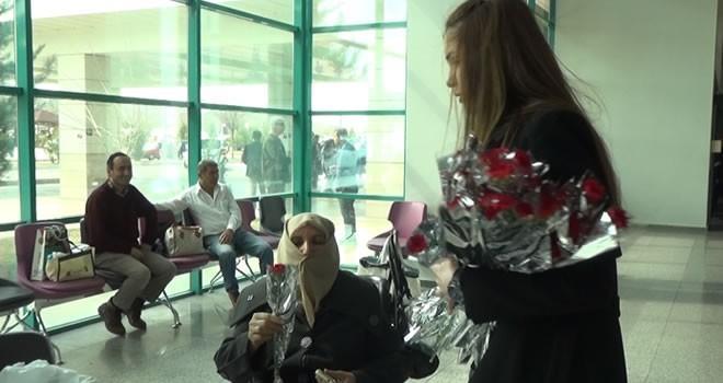Dulkadiroğlu Belediyesi'nden hasta kadınlara 8 Mart sürprizi