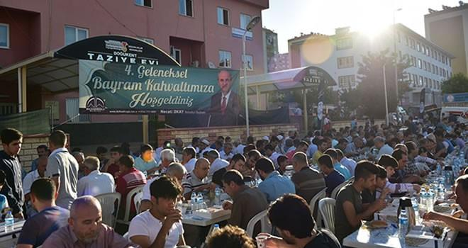 Doğukent Camii'nde Bayram Namazı sonrası kahvaltı ikramı