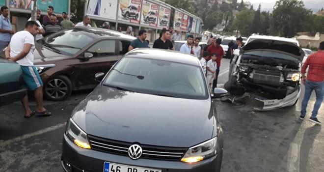 Kahramanmaraş'ta alkollü sürücü ortalığı birbirine kattı: 2 yaralı
