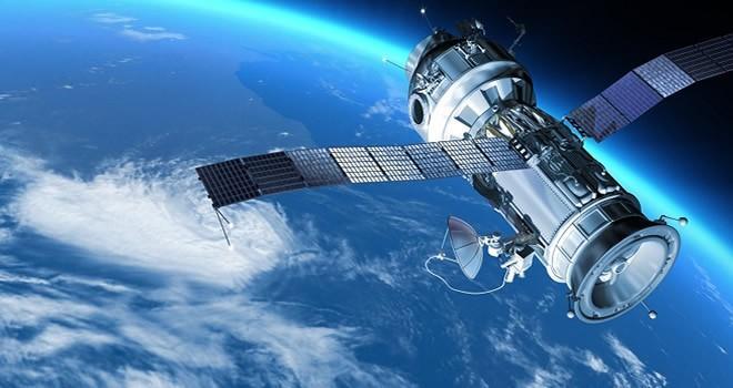 İki yeni uydu geliyor...