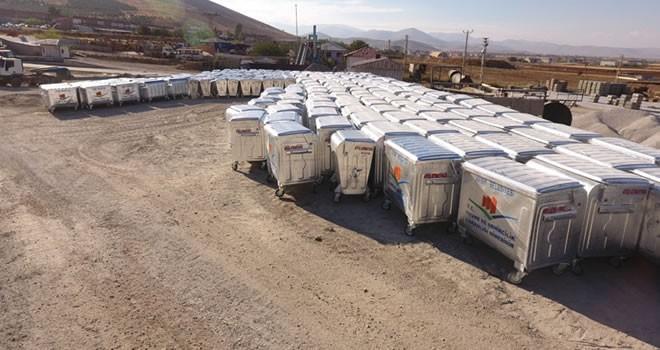 Afşin'de çöp konteynerleri yenileme çalışması