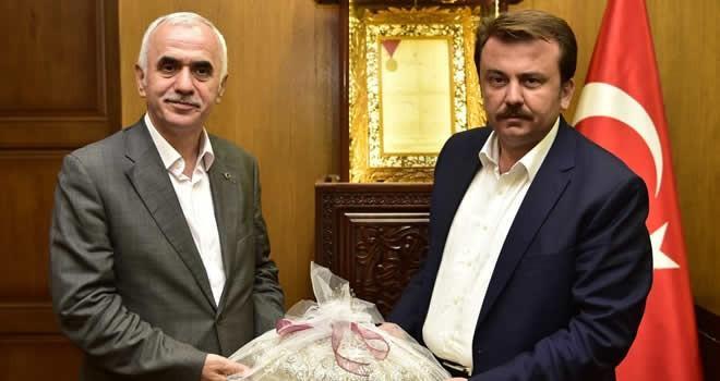 Yerel Yönetimler Başkanı Erol Kaya'dan Büyükşehir Belediyesine ziyaret