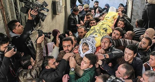 Gazze şehitlerini son yolculuklarına uğurladı