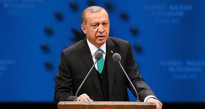 Cumhurbaşkanı Erdoğan: Bu zat başka bir dünyada mı yaşıyor?