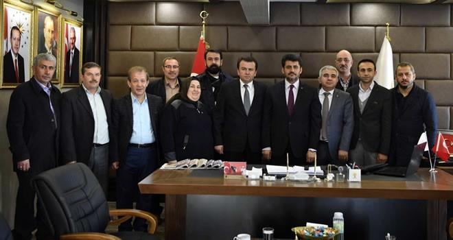 Başkan Erkoç, AK Parti Dulkadiroğlu İlçe Başkanlığına hayırlı olsun ziyaretinde bulundu