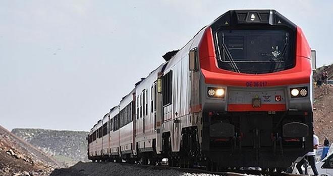 Asırlık demiryolu projesi sefere başlıyor!
