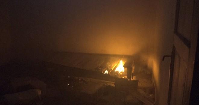Kahramanmaraş'ta tinerciler az daha binayı kül edecekti