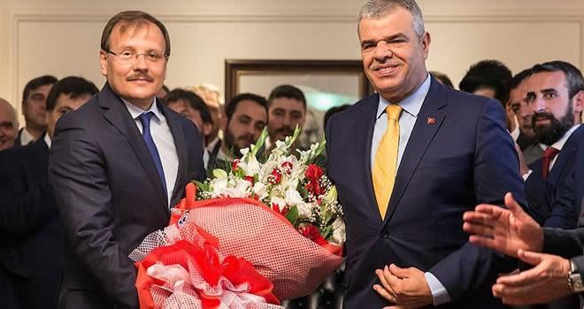 Veysi Kaynak görevini Hakan Çavuşoğlu'na devretti