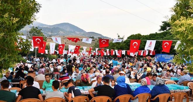 Onikişubat Belediyesi, Kılavuzlu Parkı'nda iftar verdi