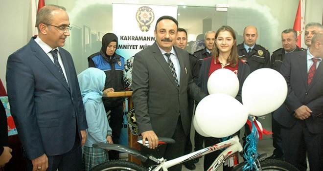 Kahramanmaraş Emniyeti'nden öğrencilere bisiklet