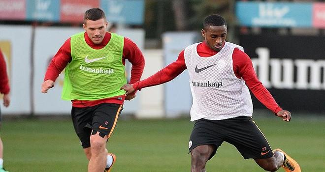 Podolski ve Carole takımla birlikte çalışmalara başladı