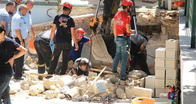 Gaziantep'te kolejin tavanı çöktü