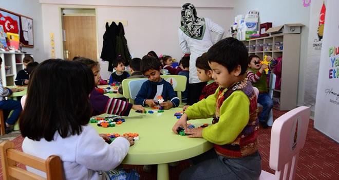 Onikişubat'tan minik öğrencilere ''plus plus puzzle etkinliği''