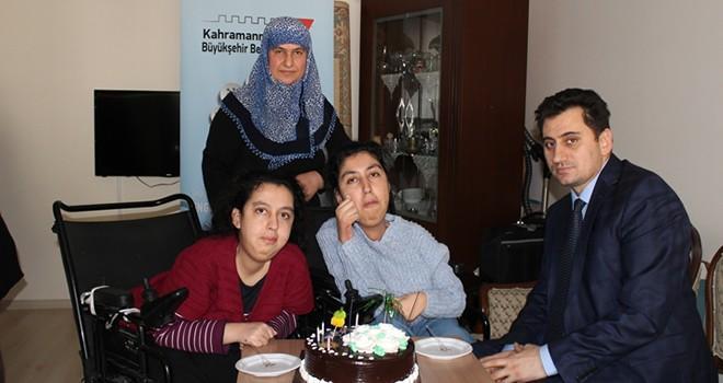 Büyükşehir Belediyesi'nden engelli kardeşlere doğum günü sürprizi