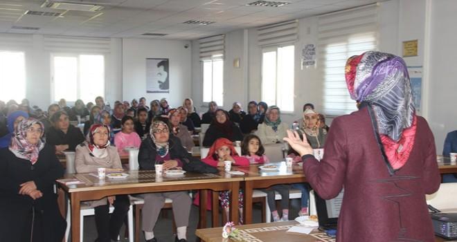 Kahramanmaraş Büyükşehir'den 'Aile ve Kadın' konferansı