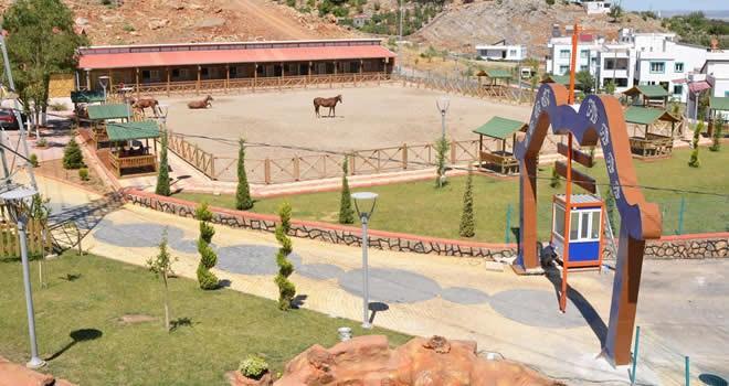 Türkoğlu'nda bincilik ve okçuluk eğitim merkezi açıldı