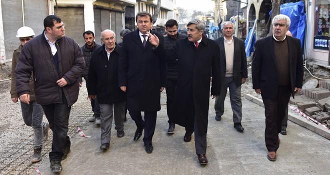 Bakan Yardımcısı Yayman Demirciler Çarşısı'nda incelemelerde bulundu