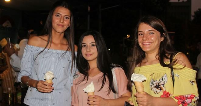 Gaziantep'te Maraş dondurması çılgınlığı