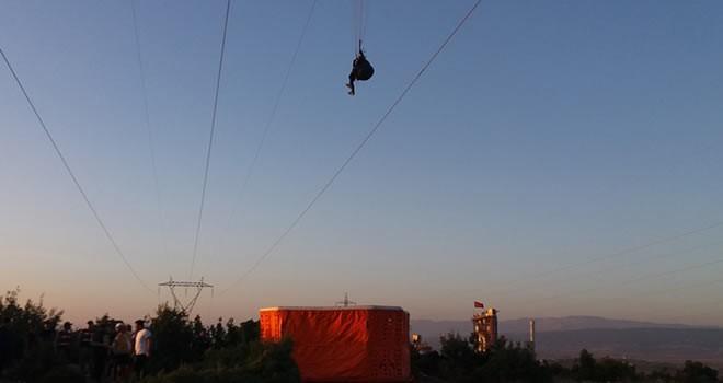 Kahramanmaraş'ta kadın paraşütçünün ölüm kalım savaşı!