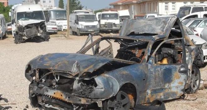 İnanılmaz son! Polisin durduğu araçtaki 2 kişi yanarak öldü