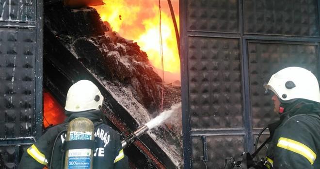 Kahramanmaraş'ta tekstil fabrikasında yangın! Tüm ekipler seferber oldu