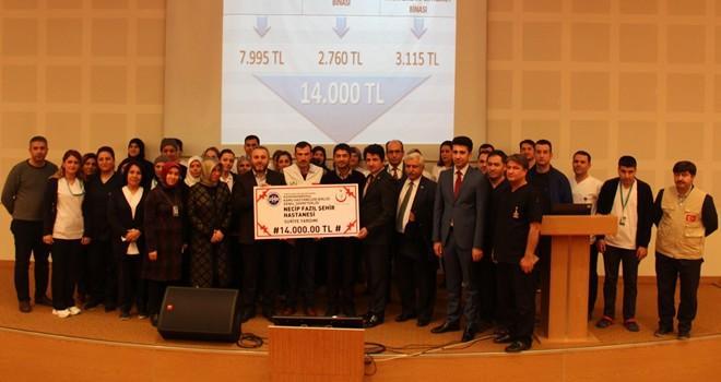 Necip Fazıl Şehir Hastanesi'nden 14 bin lira yardım