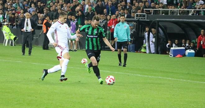 Sakaryaspor: 2 - Kahramanmaraşspor: 1   Maç sonucu