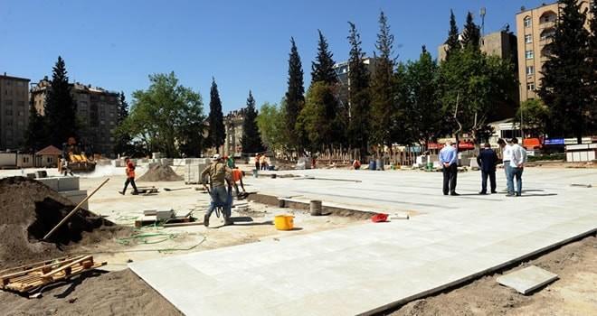 Milli İrade Meydanı ve Katlı Otopark zemin döşemelerine başlandı