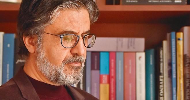 Gazeteci Akif Emre, Beşiktaş'ta kalp krizinden vefat etti