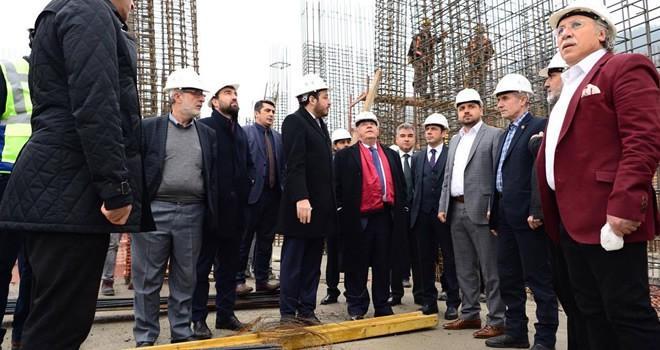 Başkan Mahçiçek yeni belediye binası inşaatında incelemelerde bulundu